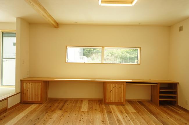 三重県伊勢市の無垢の造作家具、注文住宅